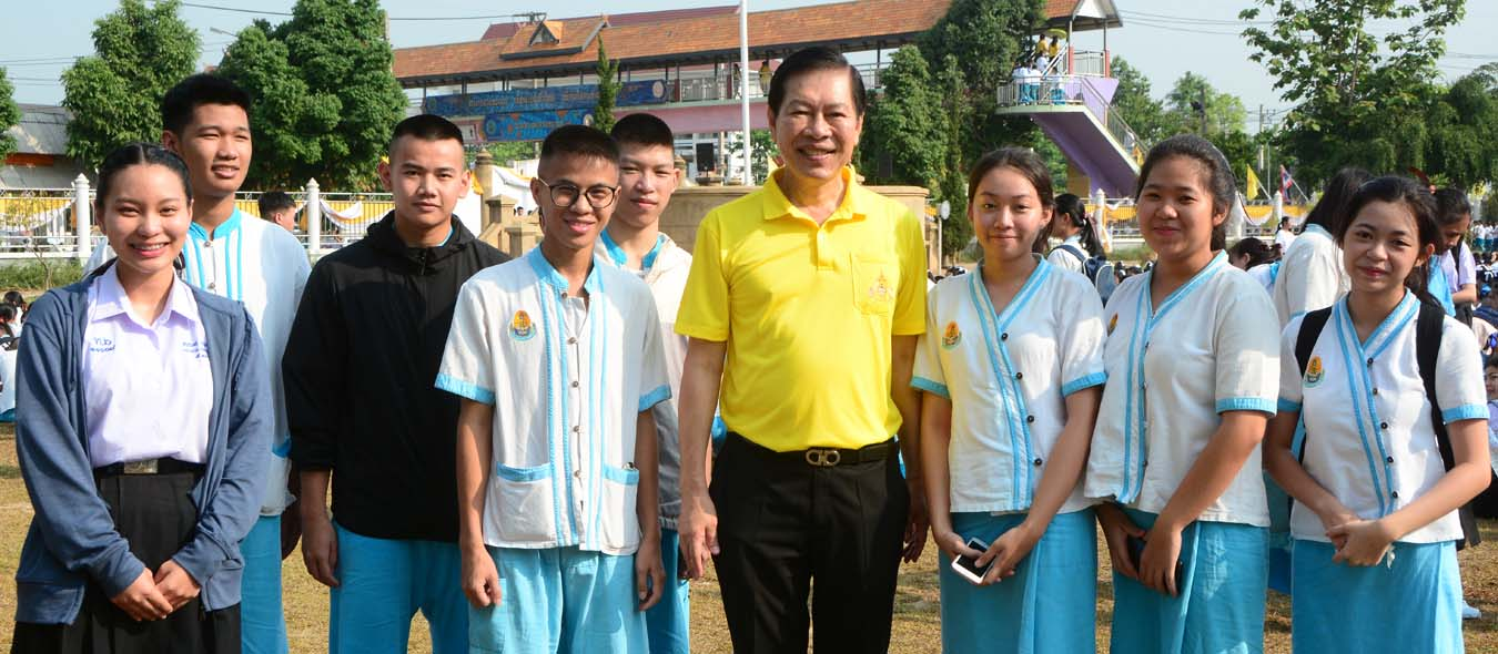 ท่านนายกเทศมนตรีนครเชียงราย ให้โอวาทแก่นักเรียนโรงเรียนเทศบาล 6 นครเชียงราย
